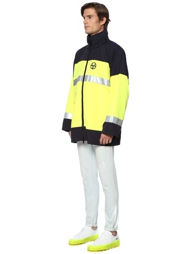 Vetements Mont Lacivert